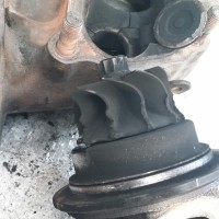 Cracks caused by excessive heat due to faulty injectors